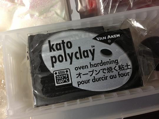 色んな銘柄が発売されているポリマークレイ
