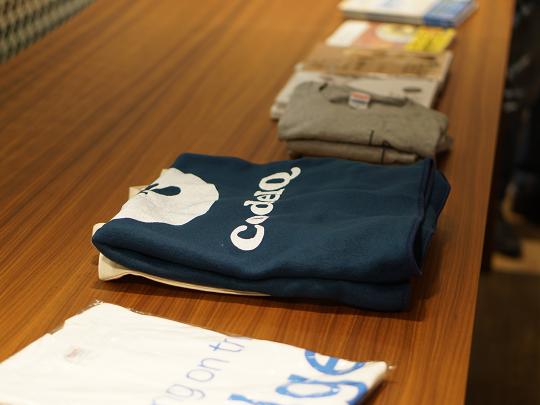 Tシャツや書籍などのプレゼント景品